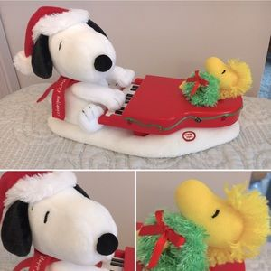 Snoopy & Woodstock w/ Sound & Lights